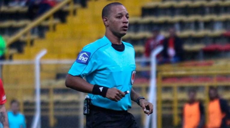 Nolberto Ararat, árbitro que renunció al fútbol colombiano