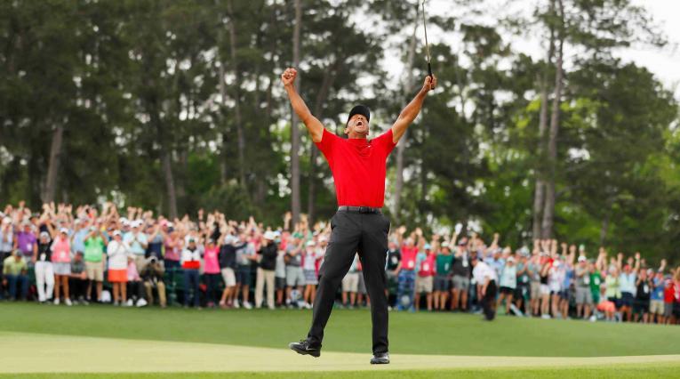Tiger Woods celebra su triunfo en el Masters de Augusta 2019. Su quinta chaqueta verde.