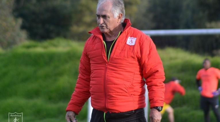 Fernando el 'Pecoso' Castro dejó de ser el técnico del América de Cali