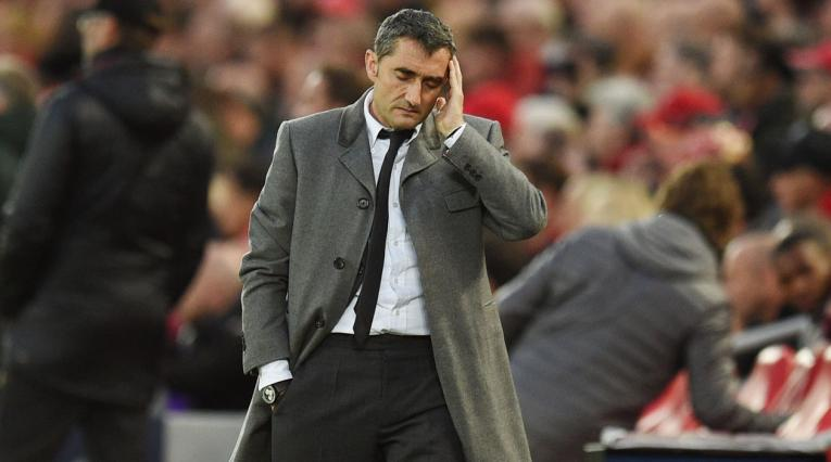 Ernesto Valverde sufriendo la dolorosa eliminación del Barcelona ante Liverpool