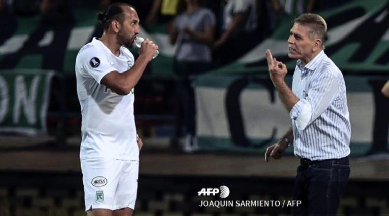 Hernán Barcos y Paulo Autuori en Atlético Nacional