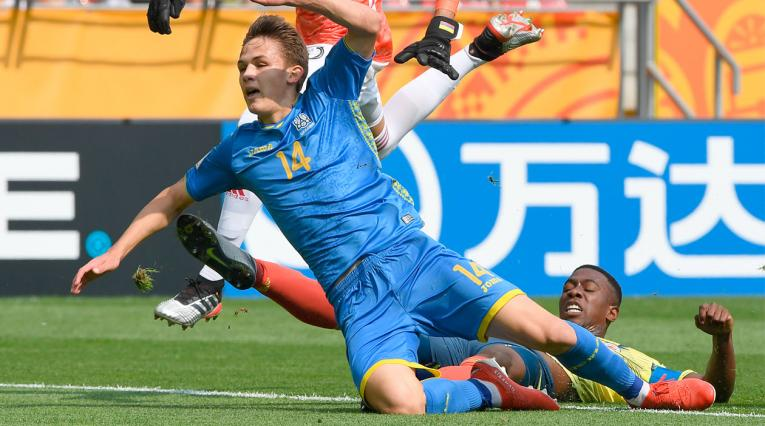 Colombia perdió ante Ucrania por un error grosero del arquero y la defensa.