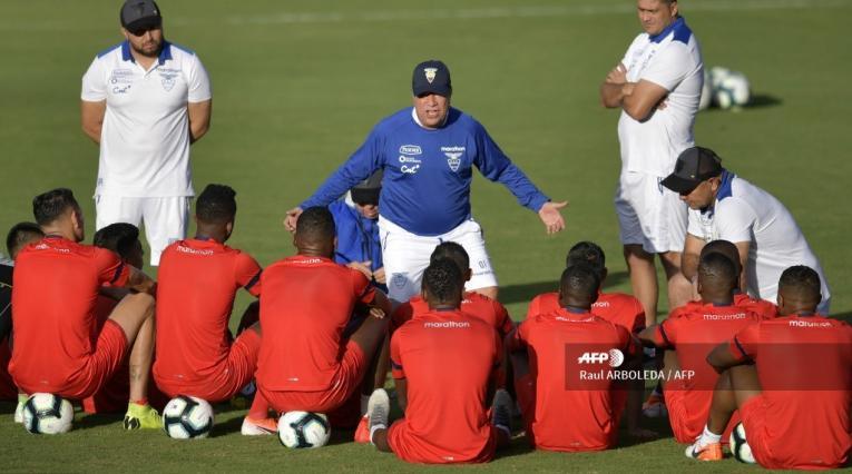 Bolillo Gómez en la Selección de Ecuador