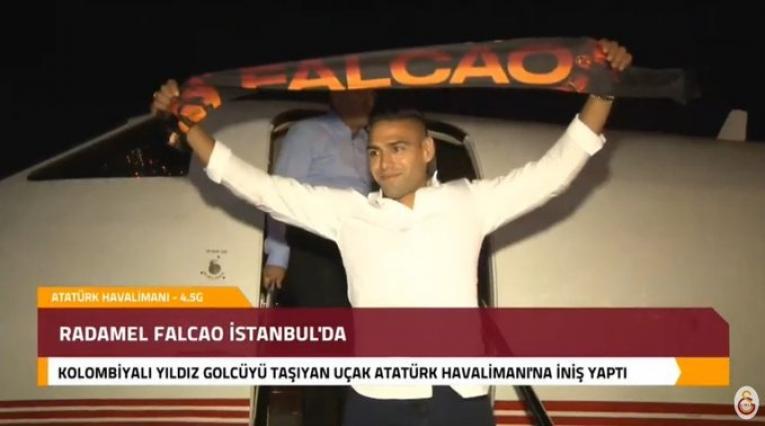 Falcao llegando a Turquía