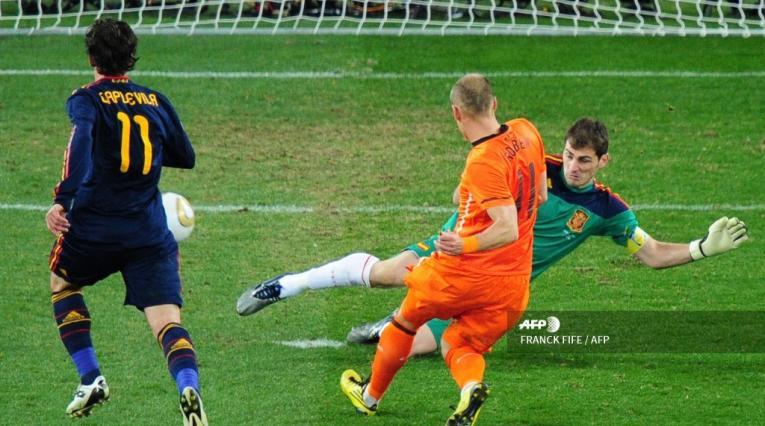 Íker Casillas, Arjen Robben