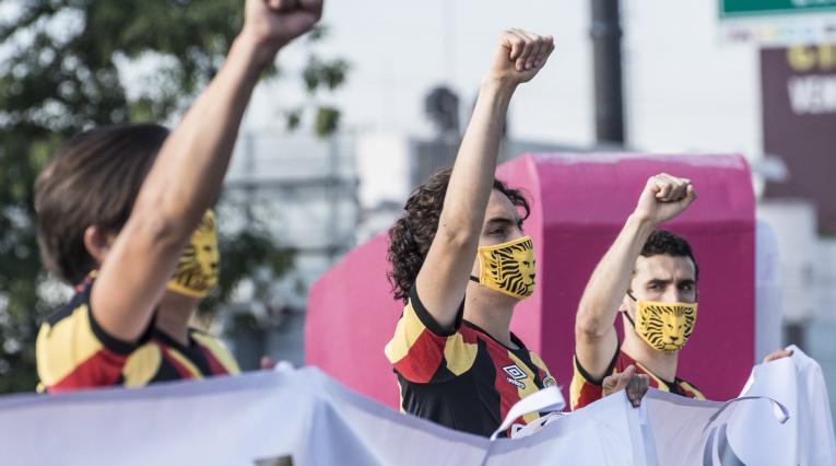 Futbolistas mexicanos en protesta