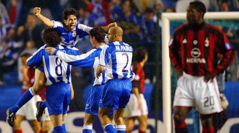 Deportivo de la Coruña ante el Milan en Riazor