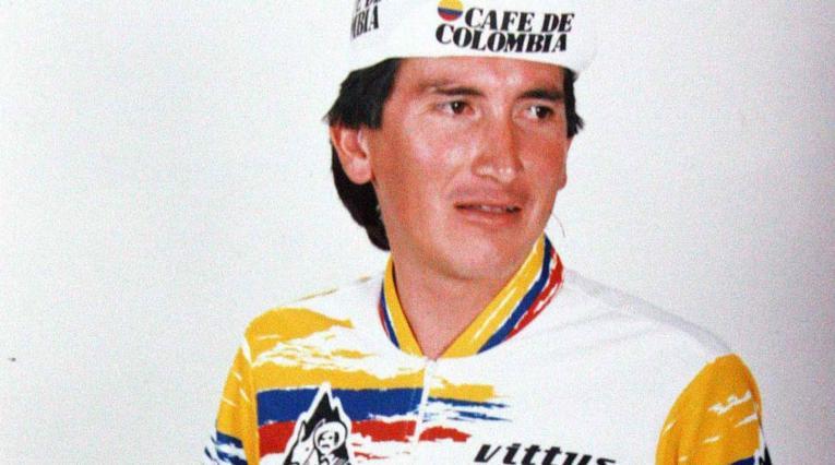 'Lucho' Herrera ganó la primera etapa para Colombia en el Alpe d'Huez
