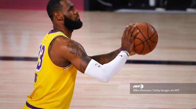 Los Angeles Lakers, LeBron James