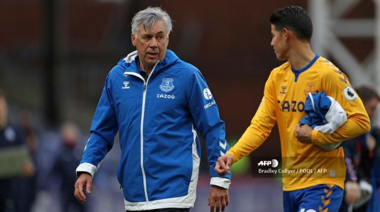 James y Ancelotti en Everton