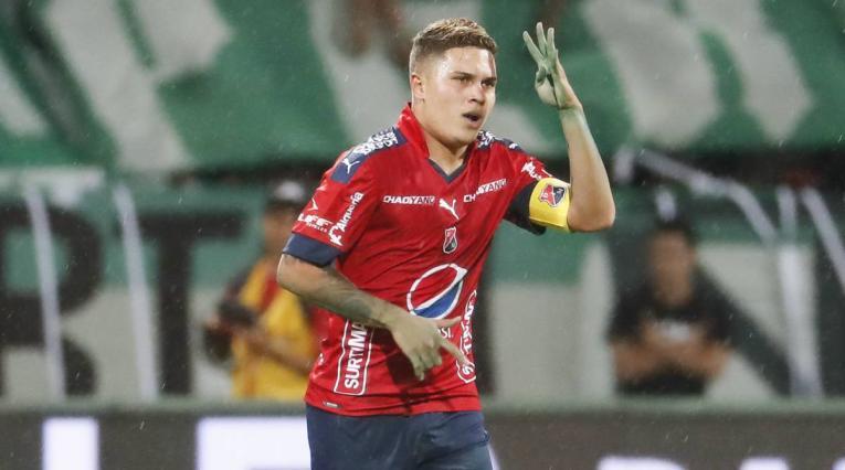 Juan Fernando Quintero jugando con el Medellín