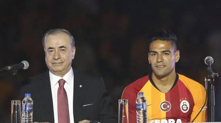 Falcao y presidente de Galatasaray