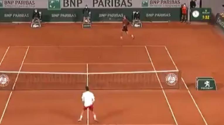 Daniel Galán vs Djokovic