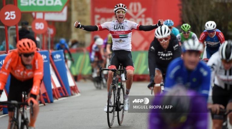 Jasper Philipsen (UAE-Team Emirates) ganó laetapa 15 de la Vuelta a España