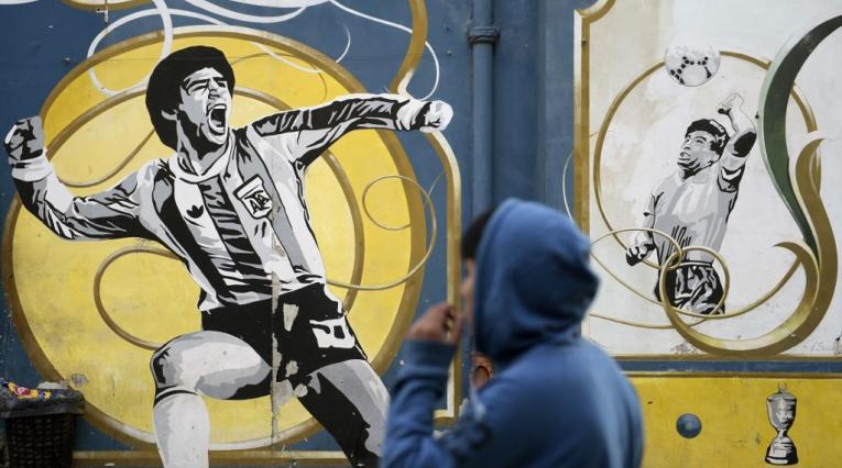 Diego Maradona, mano de Dios