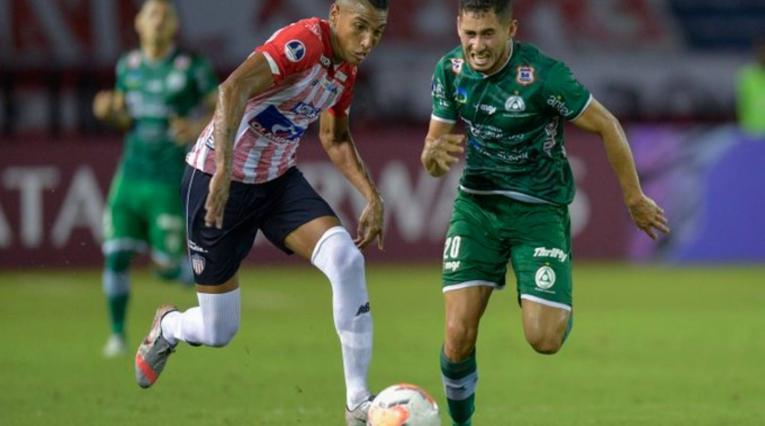 Junior Vs. Plaza Colonia