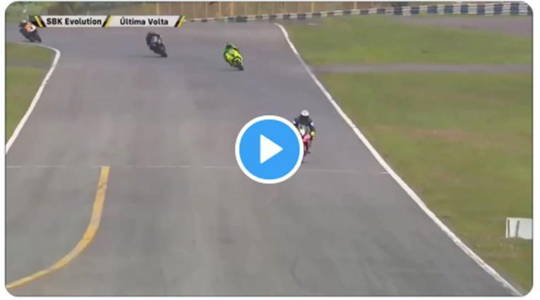 Blooper de motociclista
