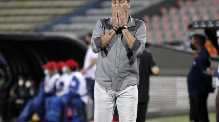 Juan Cruz Real, técnico del América
