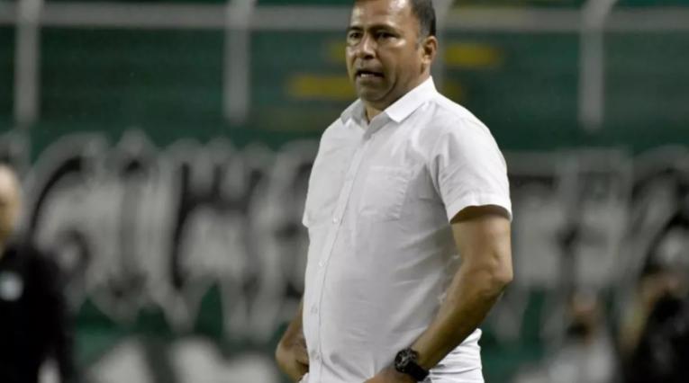 Harold Rivera, técnico de Santa Fe