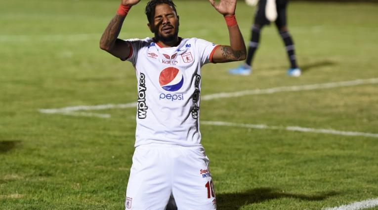 Yesus Cabrera en el estadio de Tunja