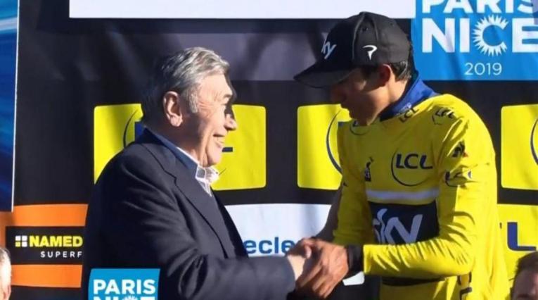 Eddy Merckx y Egan Bernal en la París Niza de 2019