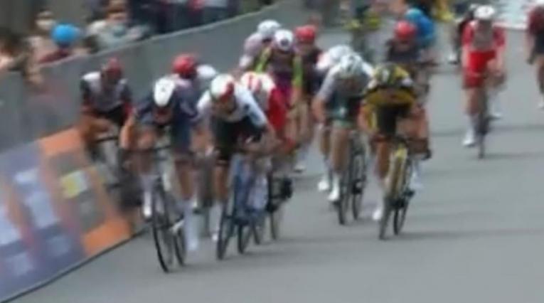 Molano cerró a Gaviria, etapa 2 del Giro de Italia