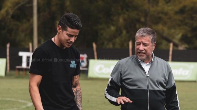 James Rodríguez y Bolillo Gómez