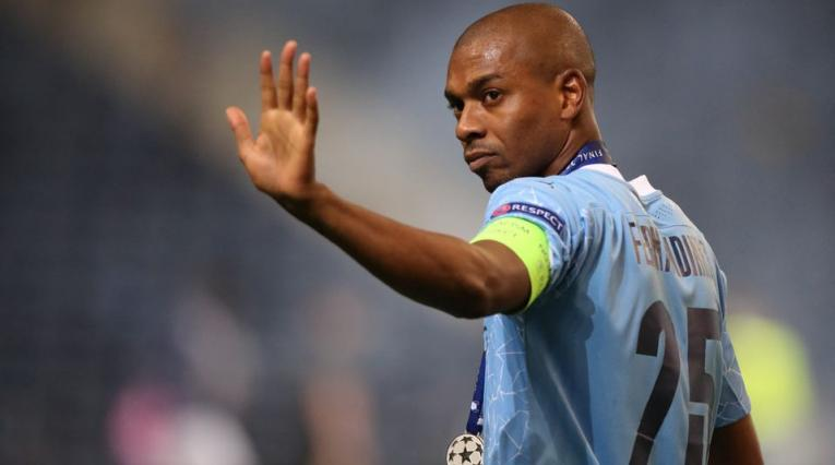 Fernandinho, jugador del City