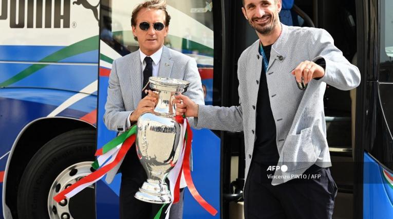 Mancini y Chiellini - Selección Italia