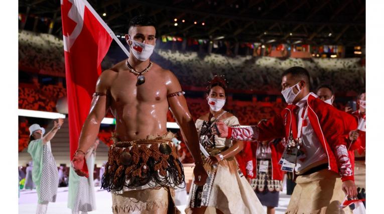Pita Taufatofua, abanderado de Tonga en los Juegos Olímpicos Tokio 2020