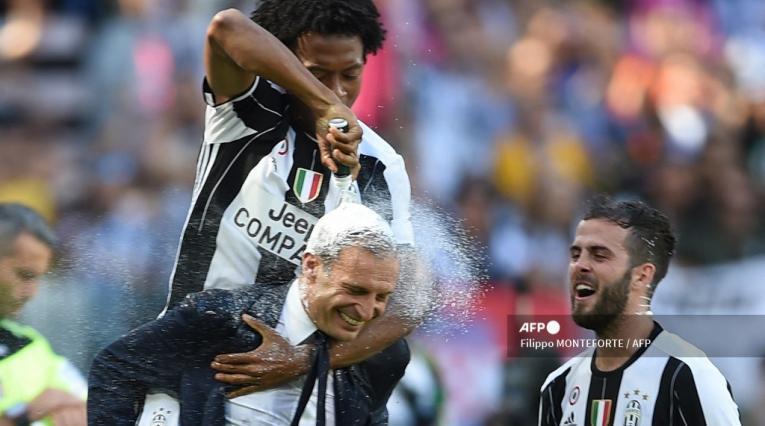 Cuadrado y Allegri en Juventus