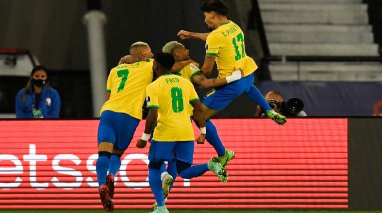Brasil derrotó a Chile en la Copa América