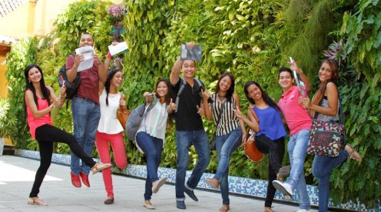 Jóvenes en Acción