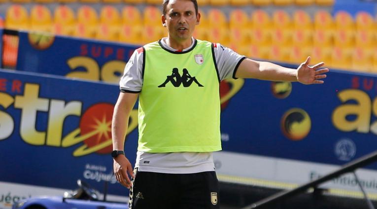 Grigori Méndez, técnico Santa Fe