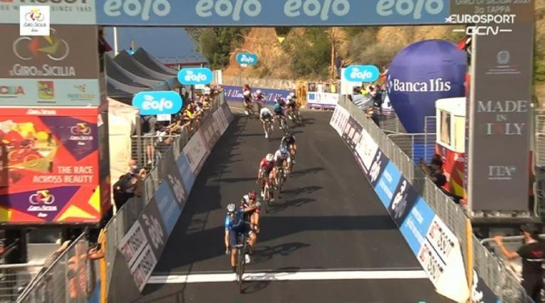 Jhonatan Restrepo, tercero tras etapa 3 del Giro de Sicilia