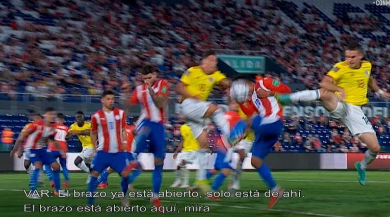 Acción de juego Paraguay vs Colombia