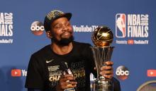 Kevin Durant, alero de los Warriors de Golden State, en conferencia de prensa - Foto: AFP