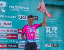 Manzana Postobón, con Jonathan Restrepo, se mantiene tercero en la general individual de la Vuelta a Turquía