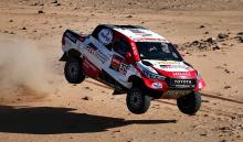 Fernando Alonso sufre un vuelco en la décima etapa del Dakar