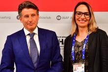 Sebastian Coe, presidente de la World Athletics, y Ximena Restrepo