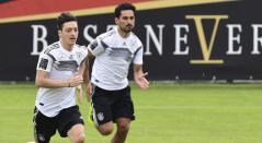 Özil y Gündogan en entrenamiento de la Selección de Alemania