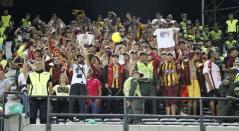 Un puñado de hinchas pijaos acompañó el Deportes Tolima en Medellín