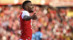 Wilson Morelo celebrando un gol con Santa Fe