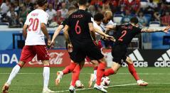 Dinamarca celebra el gol ante Croacia anotado por Mathias Joergensen