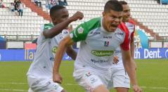 Edder Farías celebrando un gol con el Once Caldas