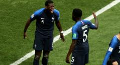 Paul Pogba grita a rabiar su gol en frente de Samuel Umtiti