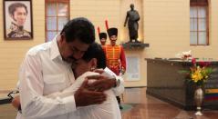 Nicolás Maduro y Diego Armando Maradona.