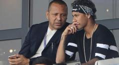 Neymar Jr. junto a su padre.