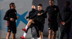 Paulinho, Philippe Coutinho y Yerry Mina