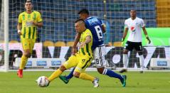 John Pérez del Bucaramanga en un juego ante Millonarios en la Liga Águila 2018-I